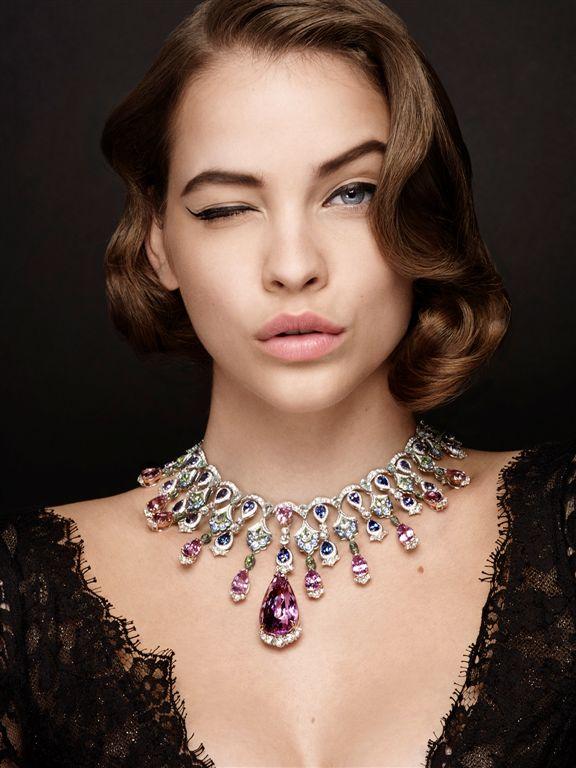 A Cannes-i Filmfesztivál vörös szőnyegén olyan neves hírességek vonulnak fel, mint Eva Longoria, Andie MacDowell, Julianne Moore, illetve május 23-án a gyönyörű magyar modell, Palvin Barbara is megérkezett.<br /><br />