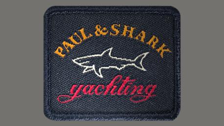A STÍLUS VÁLASZTÁSA <br />A Paul & Shark széles választékát kínálja a sportruházat, az intelligens alkalmi és luxus ruházat számára, amely mind a professzionális, mind a szabadidős stílus igényeinek kielégítésére szolgál. <br /><br />