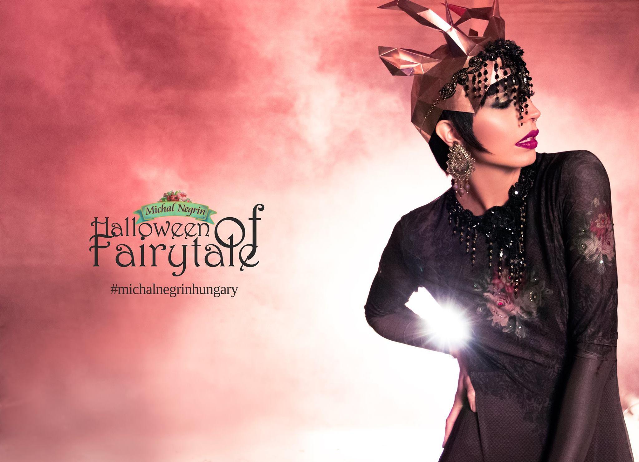 A Halloween egyre elterjedtebb hazánkban is. Készülj velünk a MICHAL NEGRINNEL erre az alkalomra! A hagyományos motívumok helyett, valami újjal találkozhatsz, káprázatos ruhák, és a Halloween után is hordhatod kedvenc darabodat :)