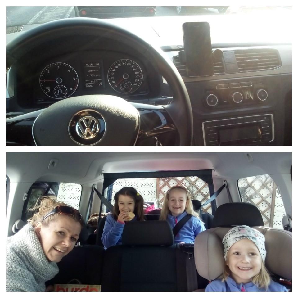 VW CADDY..... egy igazi élmény vele az utazás, három kicsi gyermekkel mentünk 'világgá' :) A hét személyes autóban, bár most csak hatan foglaltunk helyet, így tökéletesen kényelmes utazásban lehetett részünk. <br />Első látásra 'hatalmas' az autó, pláne az én Lineám után, de hamar belejöttem a Caddyvel való parkolásba, az autóba beépített 'Park Assist' minden segítséget biztosít a tökéletes és biztos parkoláshoz. <br />Az új Caddy nem csupán külsejében, hanem utasterében is fejlődött, átgondolt megoldások egész sorával könnyítve a mindennapok munkáját.<br />Így nem csak hosszabb családi utakra tökéletes választás a Caddy.<br /><br />A kislányom ezt mondta mikor a kirándulás után visszakerült méltó helyére a VW CADDY: 'anyuci, tudod, szeretem limpikét (saját autó) de ezt a hét személyes autót egy kicsit jobban, az unokatesóim is elférnek velem itt, meg a nagyika is, és a hugod is, veszünk ilyet ?????<br />:) :) :) :)