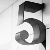Az ötödik