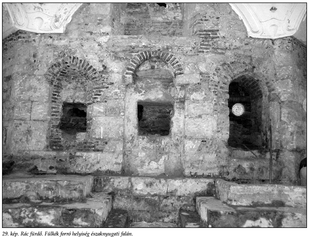 A forró helyiség észak-nyugati falának fülkéi (Papp - Lászay, 2009)