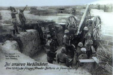 Készültségben a török tüzérség (turkeyswar.com)