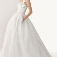Corsets sous la robe de mariée : garder ou jeter