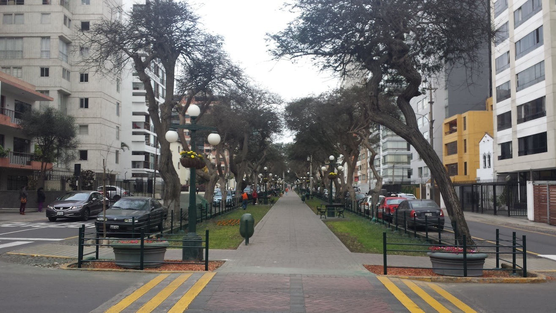Miraflores utcakép.jpg