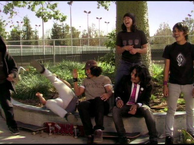 Külvárosi rockerek / Wassup Rockers (2005)