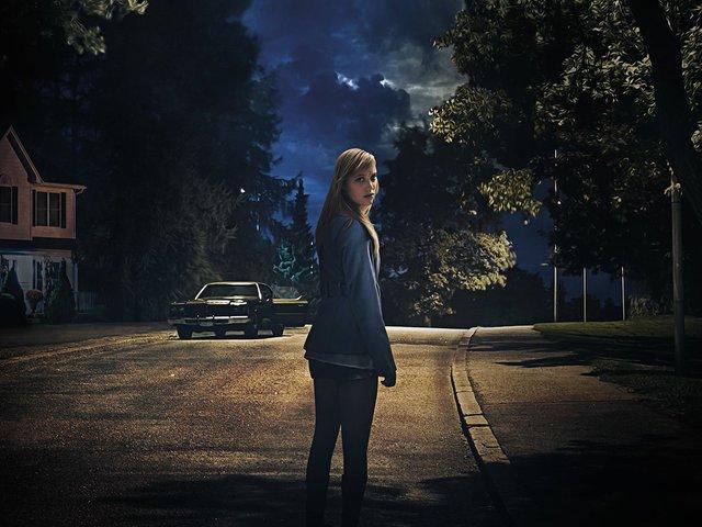 Valami követ / It Follows (2014)