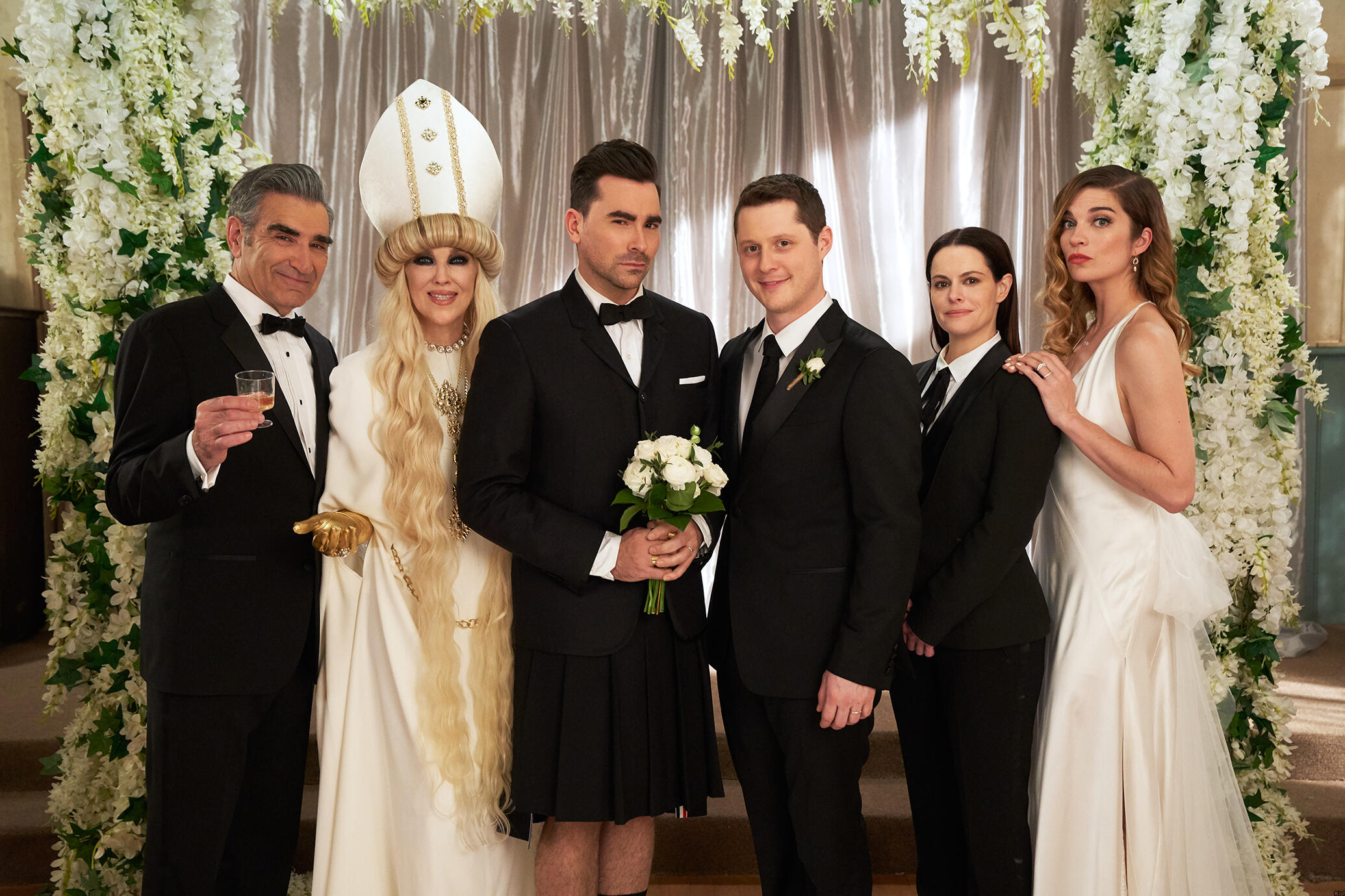 schitts-creek-finale-wedding-news.jpg