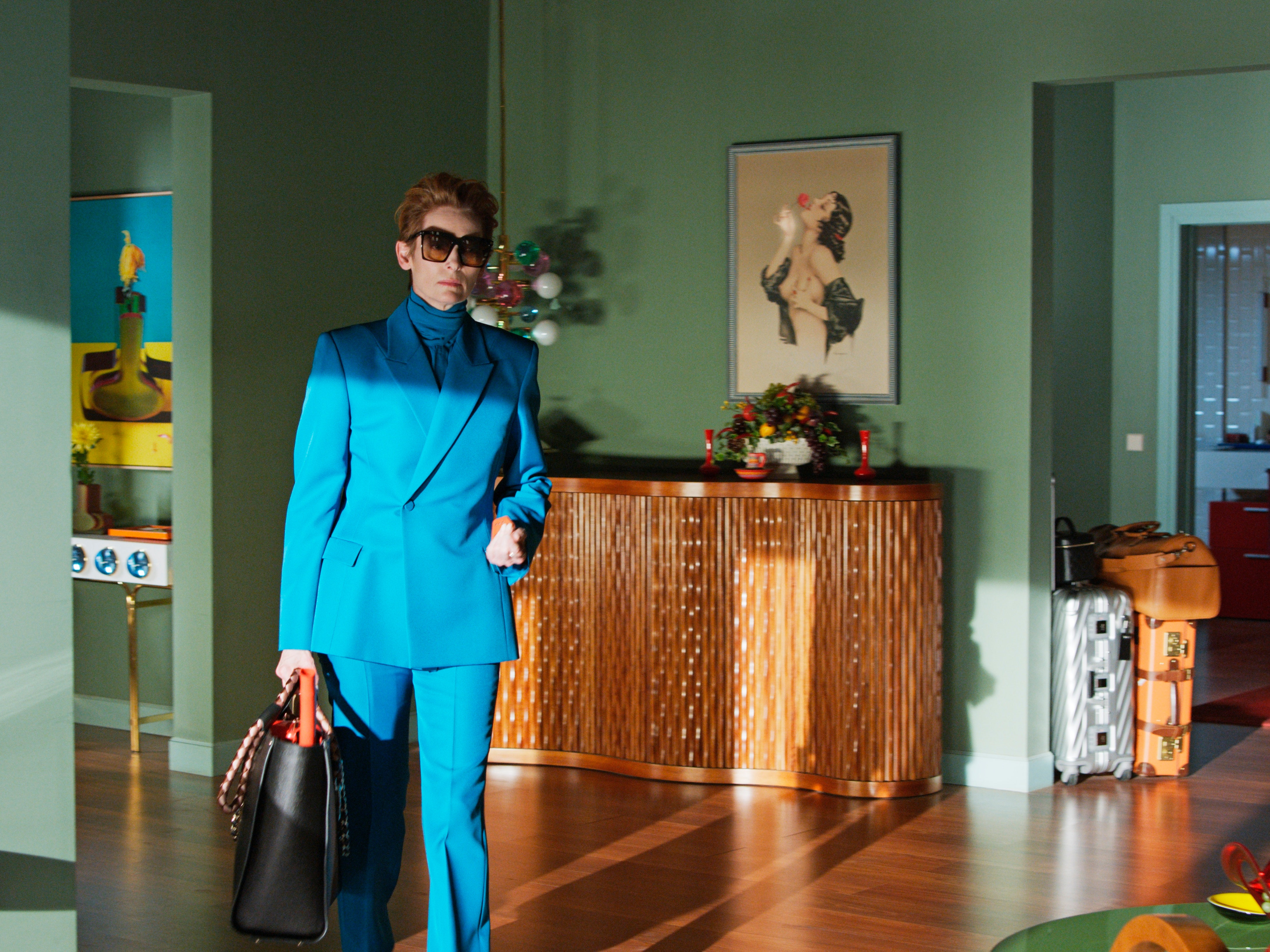 tilda_swinton_as_her_in_the_human_voice_copyright_el_deseo_photo_by_jose_luis_alcaine_courtesy_of_sony_pictures_classics_2.jpg