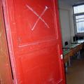 Dühöngőszoba a gyermekotthonban: a vádlott profilja és a közvélemény