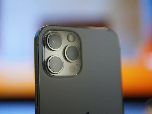 A motorozás kicsinálhatja az iPhoneok kameráit