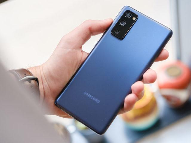 A Samsung az S20 FE súlyos hibájának kijavítását ígéri egy új frissítéssel...