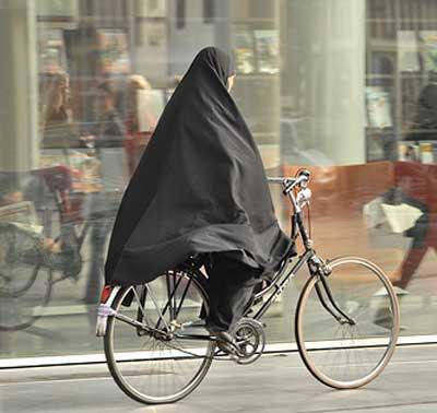saudi-riding-bike.jpg