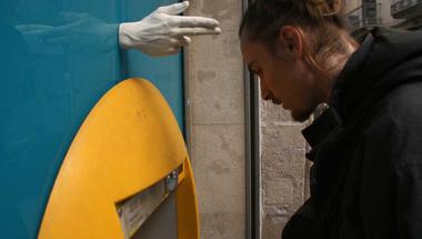 Hands installáció, a spanyol társadalomkritika