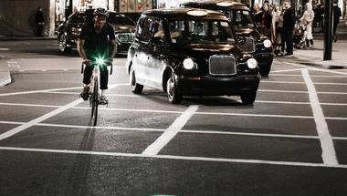 Lézerfénnyel a biztonságosabb kerékpározásért