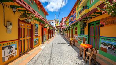 Guatapé, a világ legszínesebb városa