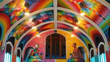 A Denveri Kannabisz Egyház színes épülete