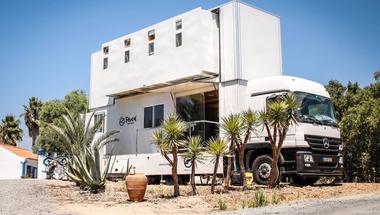 Truck Surf Hotel, szabadság és szörf