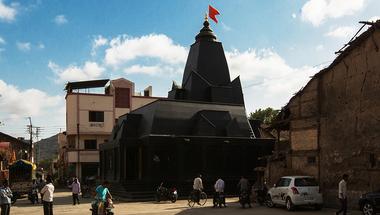Fekete kőtemplom Indiában