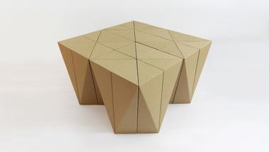 Spiral Stool, avagy hogyan építsünk széket kartonból