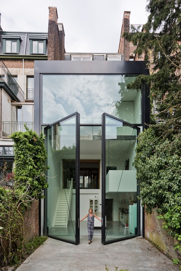 amazing-oversized-glass-doors-600x899.jpg