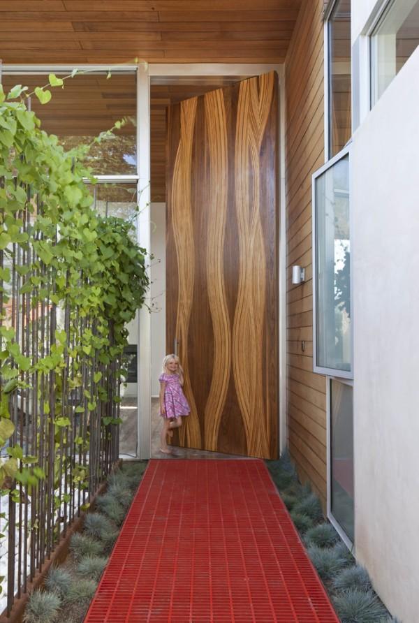 inspiring-artistic-wood-door-600x892.jpg