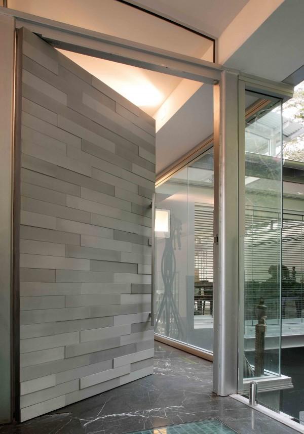 textural-tiled-front-door-design-600x858.jpg