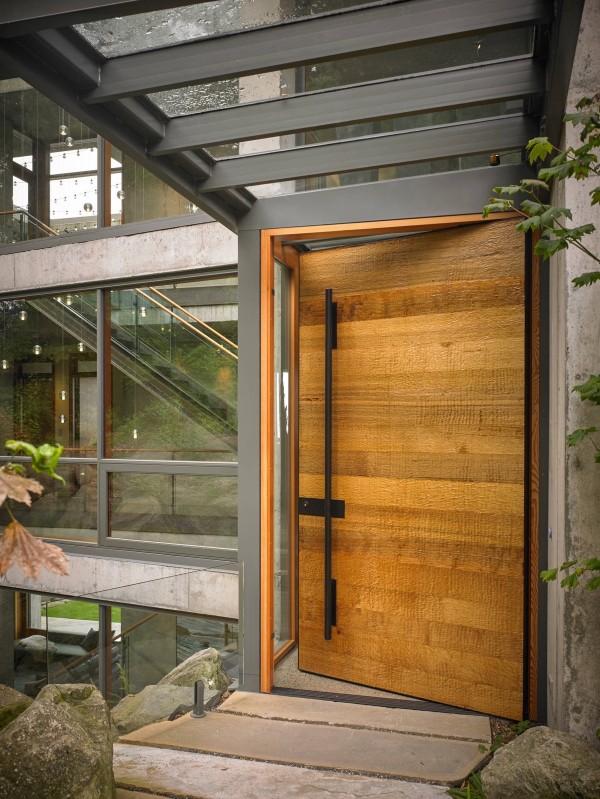 textured-wooden-front-door-600x799.jpg