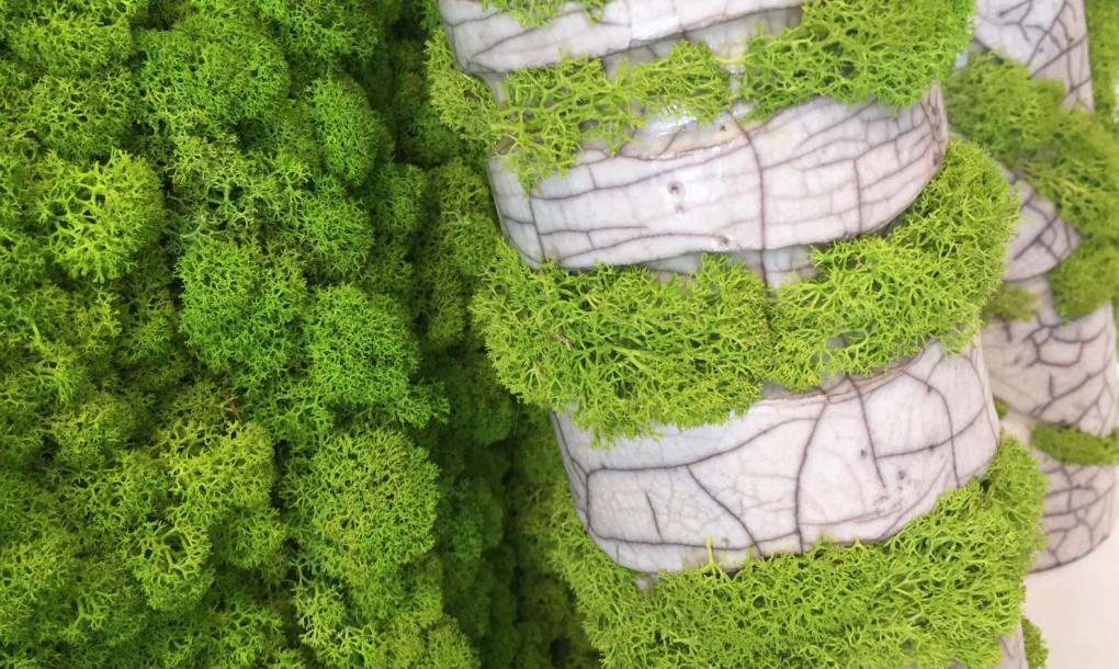 mossmania-moss-japanese-raku-pottery-vases-closeup-1020x610.jpg