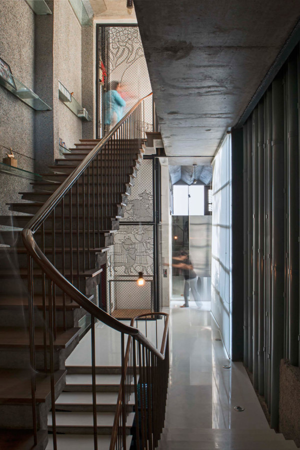 collage-house-s-ps-architects-20-600x899.jpg
