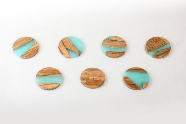 hattern-zero-per-stool-7-coasters-600x400.jpg