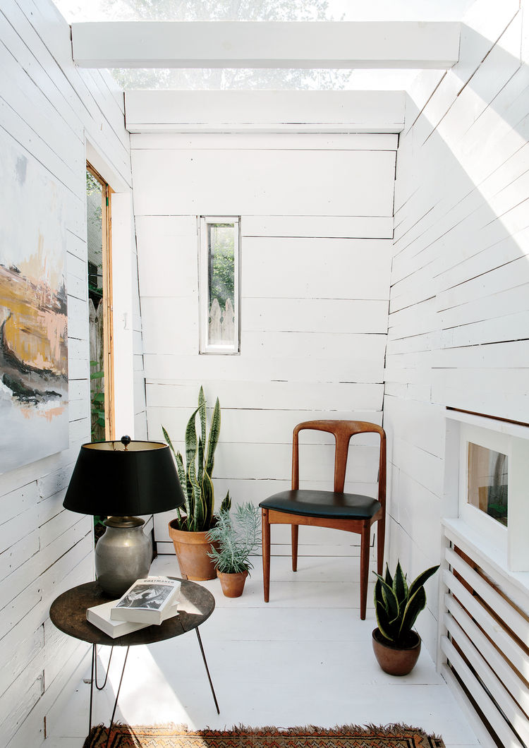 place-in-the-shade-brooklyn-backyard-studio-plexiglass-skylight-green-roof-cedar-cladding-interior.jpg