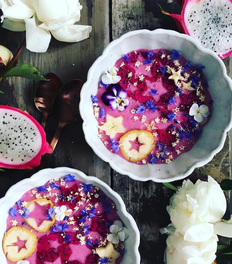 the-sunkissed-kitchen-coconut-bowls-5.jpg