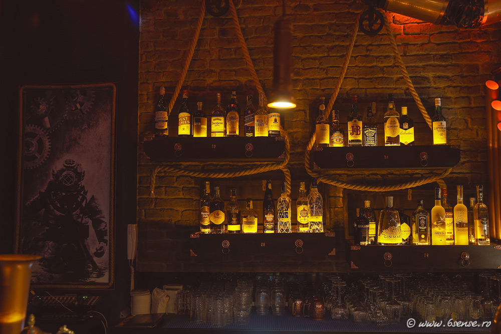 bar-interior-design-the-abyss-italy-kraken-steampunk-bistro-20.jpg