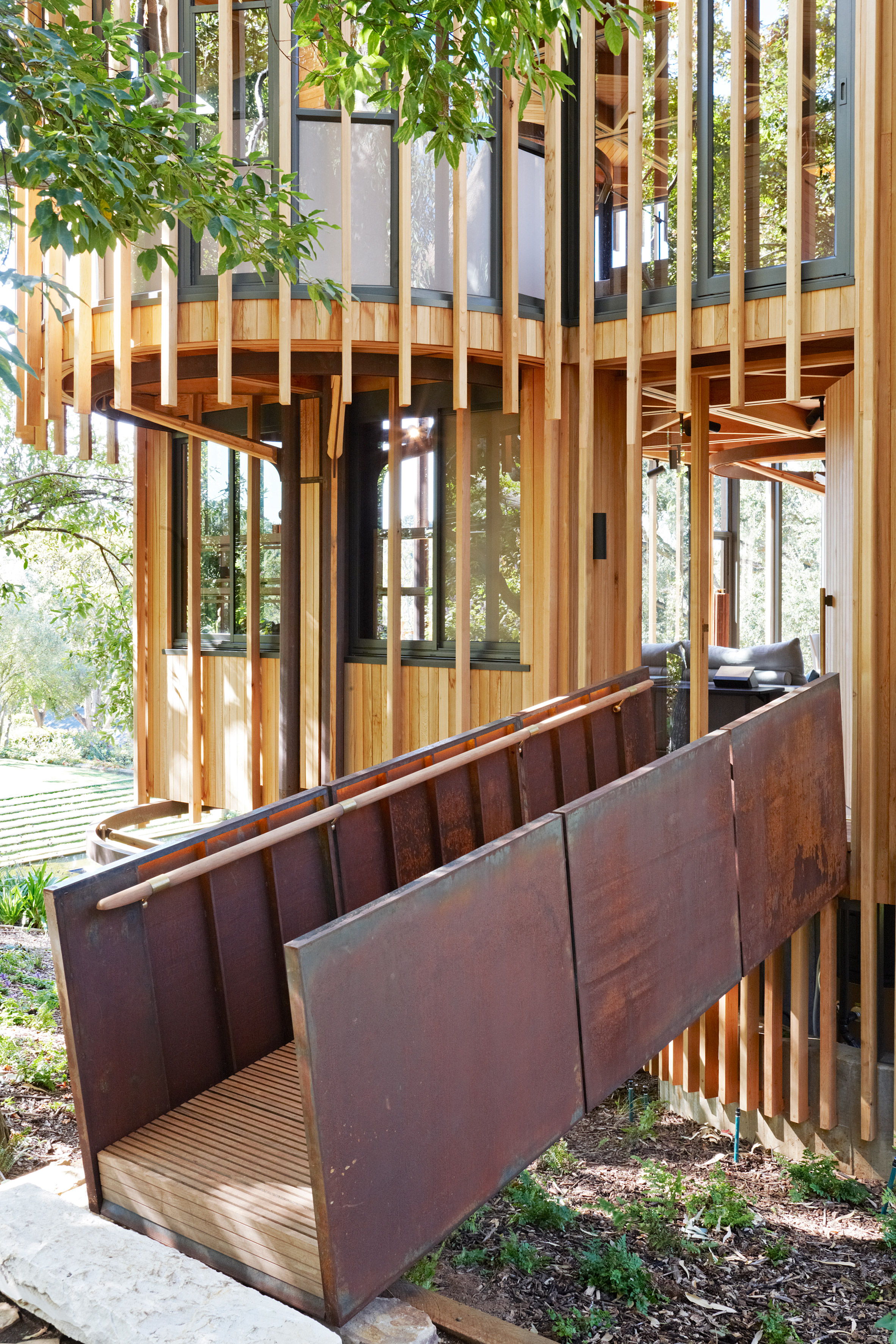 paarman-tree-house-by-mv-architecture-residential_dezeen_2364_col_19.jpg