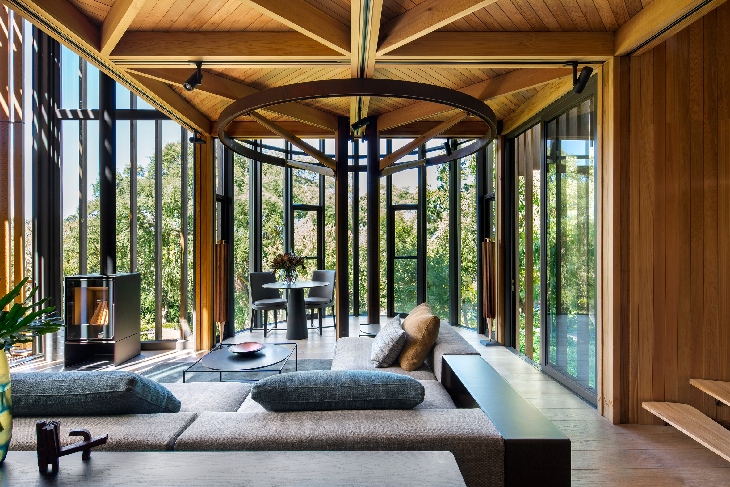 paarman-tree-house-by-mv-architecture-residential_dezeen_2364_col_2.jpg