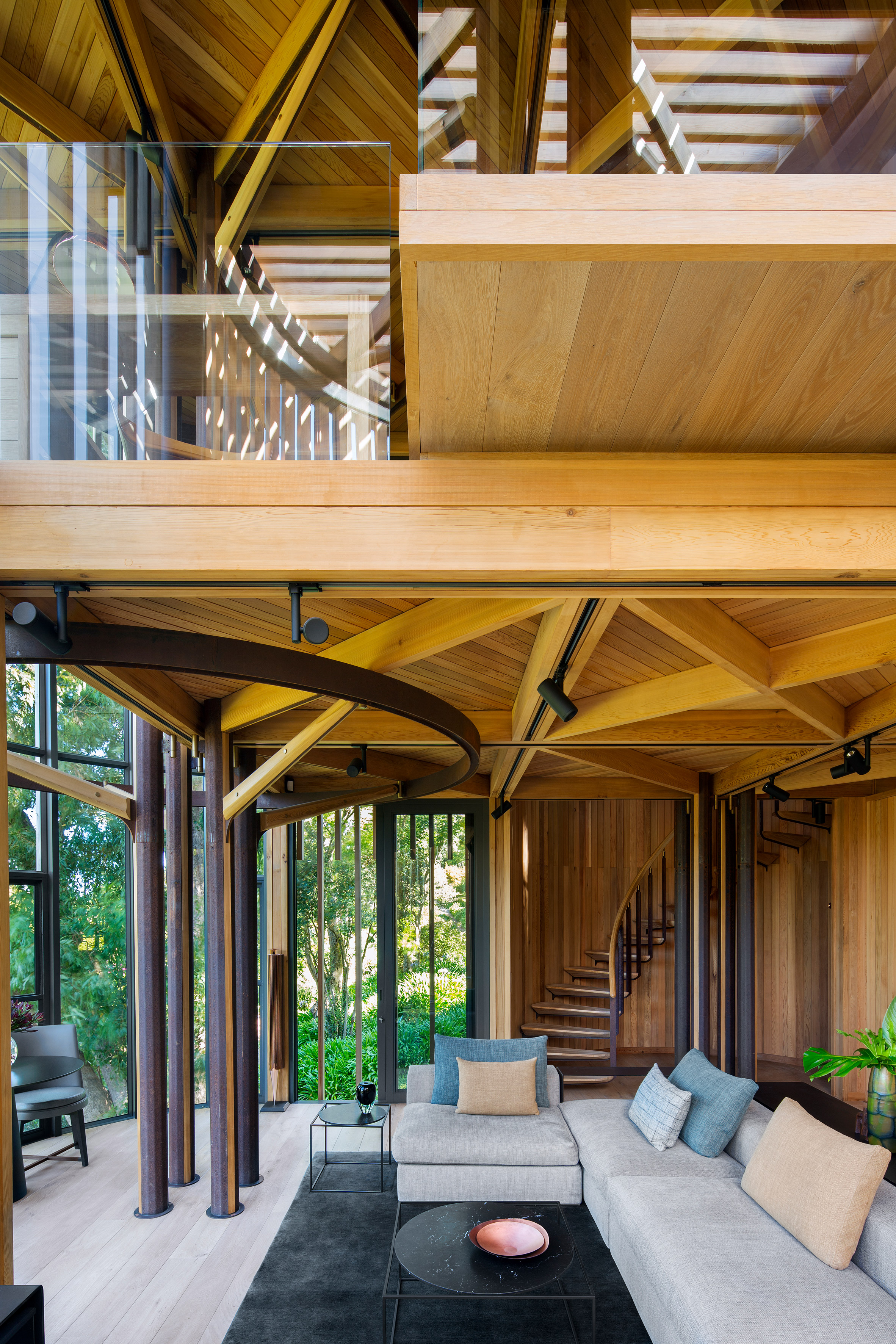 paarman-tree-house-by-mv-architecture-residential_dezeen_2364_col_4.jpg