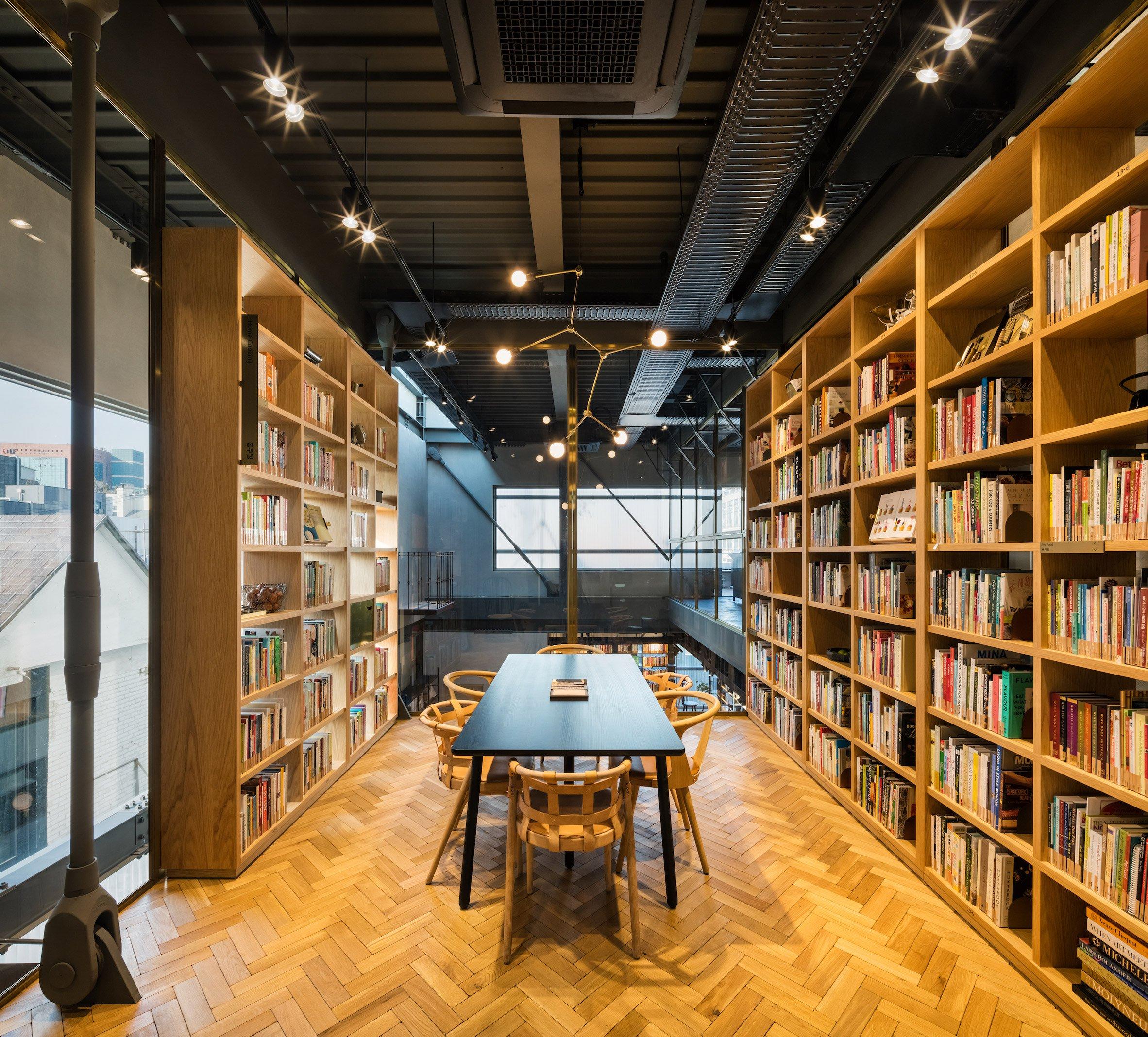 cooking-library-blacksheep-interiors_dezeen_2364_col_19.jpg