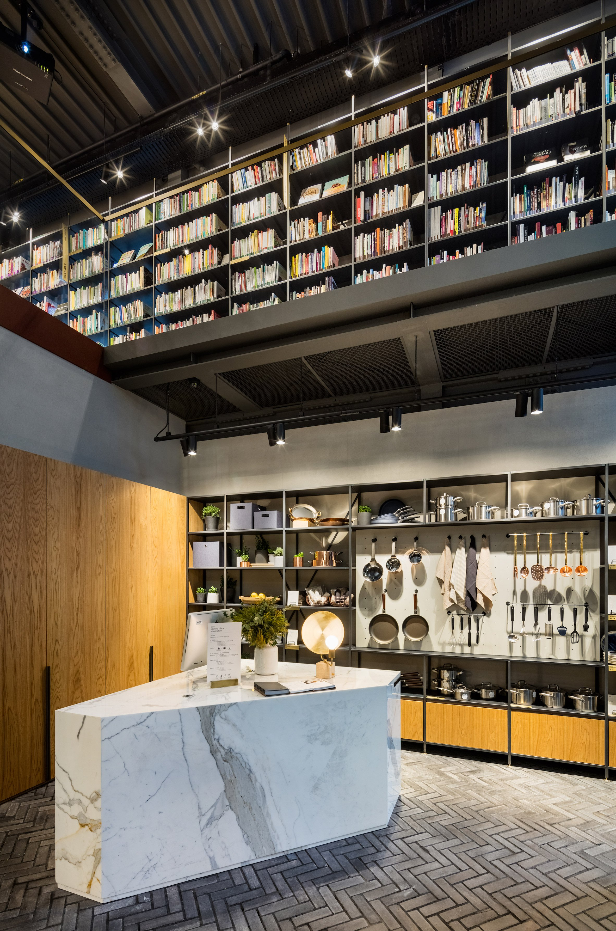 cooking-library-blacksheep-interiors_dezeen_2364_col_5.jpg