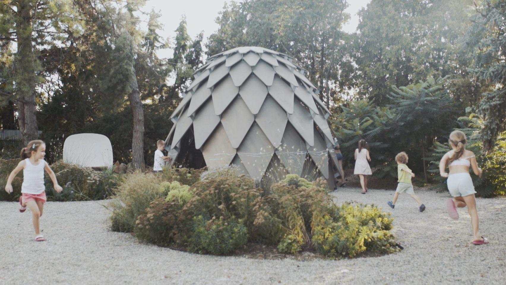 pinecone-mobile-gazebo-atelier-sad-noko-01.jpg