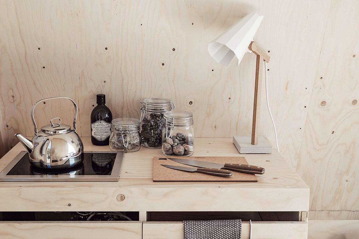 nolla-cabin-minimalista-fahaz-kornyezettudatos-eletvitelhez-noko-06.jpg