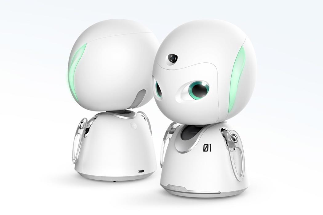 egy-robot-mind-folott-noko-03.jpg