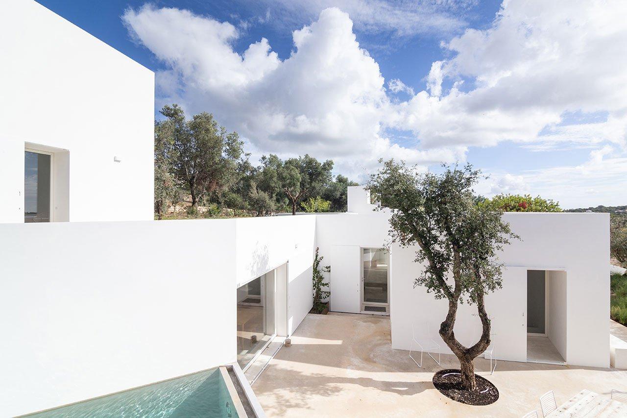 casa-luum-minimalizmus-a-portugal-videken-noko-01.jpg