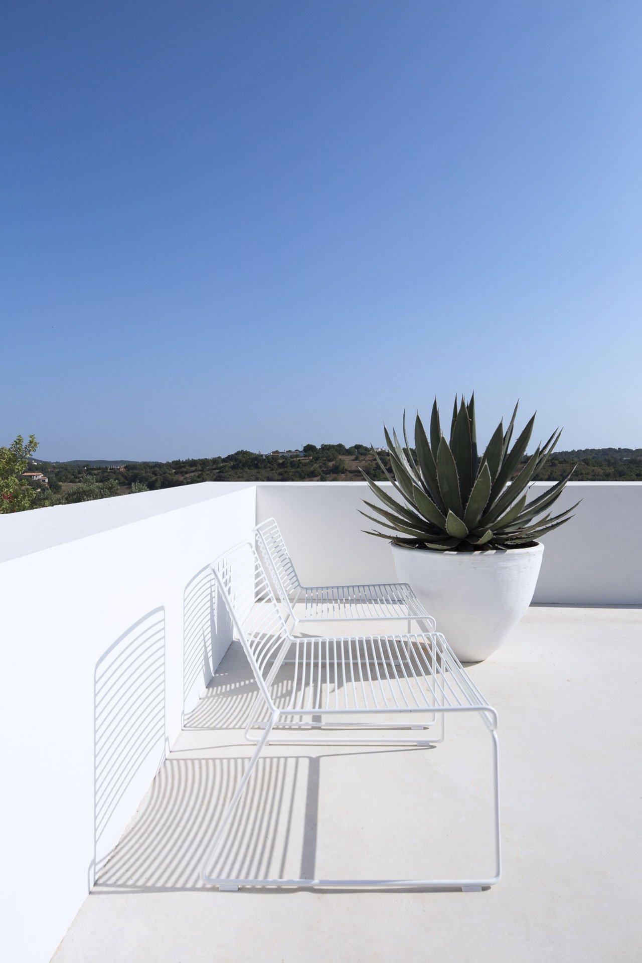 casa-luum-minimalizmus-a-portugal-videken-noko-015.jpg