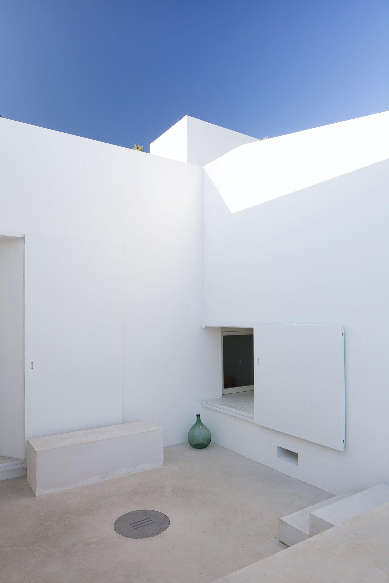 casa-luum-minimalizmus-a-portugal-videken-noko-020.jpg