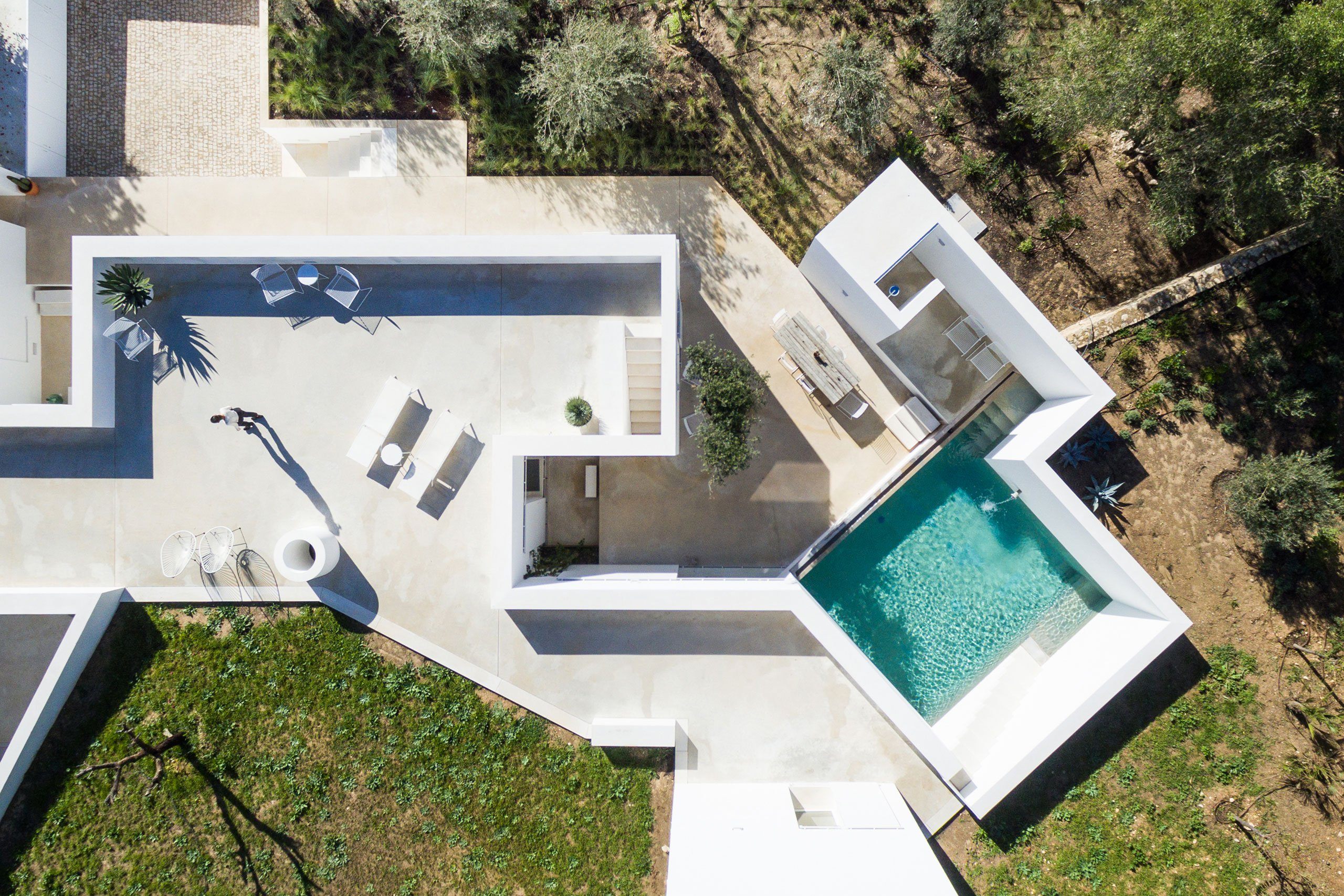 casa-luum-minimalizmus-a-portugal-videken-noko-03.jpg