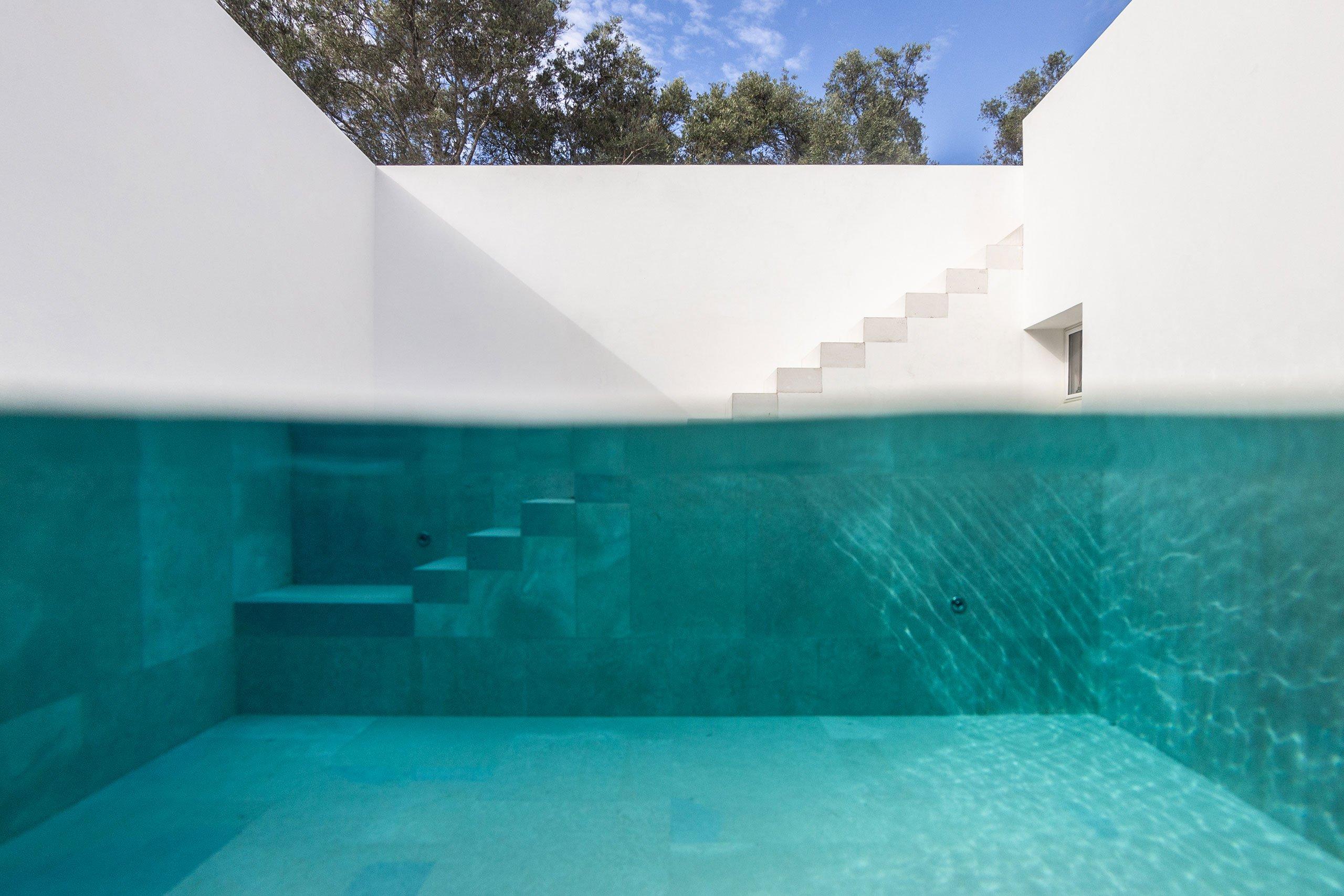 casa-luum-minimalizmus-a-portugal-videken-noko-06.jpg