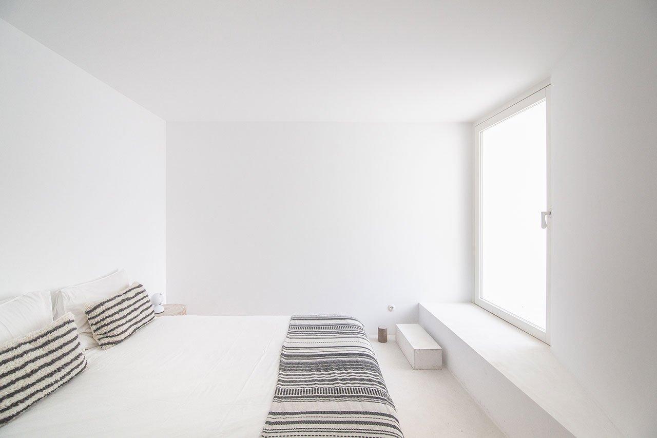 casa-luum-minimalizmus-a-portugal-videken-noko-08.jpg