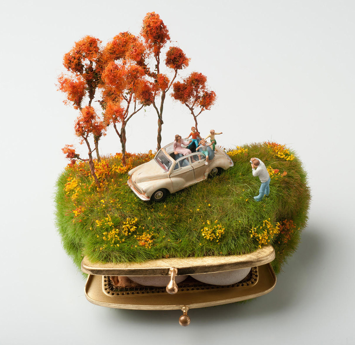 kendal-murray-miniatur-szobrai-noko-01.jpg
