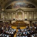 Engedélyezték az örökbefogadást a meleg pároknak Portugáliában